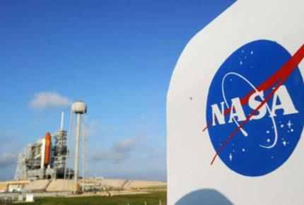 SpaceX: Lleva con éxito a órbita a la primera tripulación civil