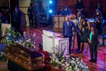 Floyd murió por pandemia del racismo, asegura su abogado