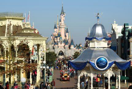 Disney y Apple piden a sus clientes usar cubre boca