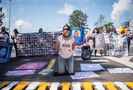 Xalapa: Familiares de desaparecidos exigieron ser atendidos por AMLO