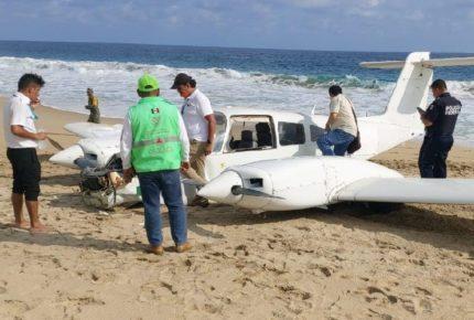 Avioneta realiza aterrizaje de emergencia en playa de Oaxaca