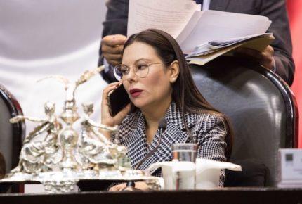 Morena rechaza que Laura Rojas interponga controversia constitucional por decreto de FF AA