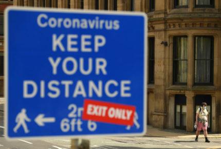 Reino Unido aplica nuevas restricciones y posterga desconfinamiento por Covid