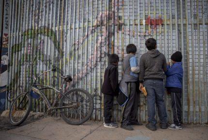 Biden quiere 861 mdd para frenar migración en Centroamérica