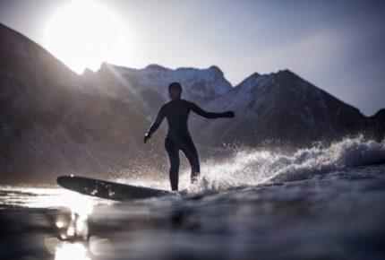 Tiburón mata a surfista adolescente en Australia