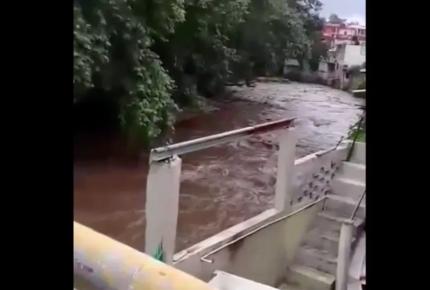 Hallan sin vida a niña que fue arrastrada por río en Coatepec