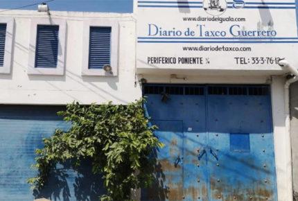 Balean oficinas del Diario de Iguala; no hay lesionados