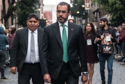 FGR busca detener a extitular de la SSC, Jesús Orta, y 18 más