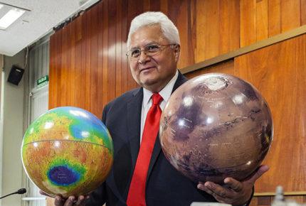 Montaña en Marte llevará el nombre del mexicano Rafael Navarro