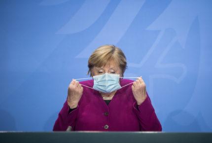 Merkel impone línea estricta para combatir la pandemia