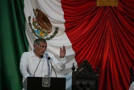 Aprueban solicitud de licencia de Adán Augusto López