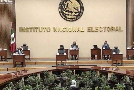 INE investiga denuncias por pago a periodistas de las mañaneras
