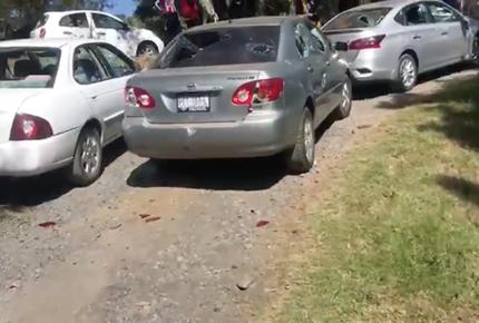 Maestros de la CNTE se enfrentan en Michoacán; hay 15 heridos