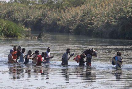 Dialogan Ebrard y Blinken sobre gestión del flujo de migrantes