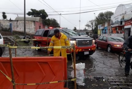 Fuertes lluvias dejan afectaciones en calles de Durango