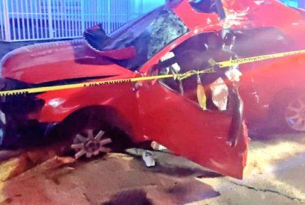 Choque de auto de lujo deja 4 muertos y 4 heridos en Ecatepec