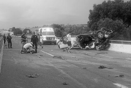 Accidente automovilístico deja 3 muertos y 6 heridos en el EdoMex