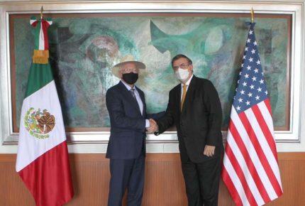 Ebrard y Ken Salazar se reúnen previo a diálogo de seguridad