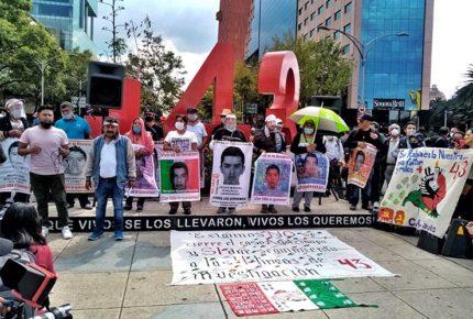 Seguiremos hasta conocer la verdad: padres de los 43 de Ayotzinapa