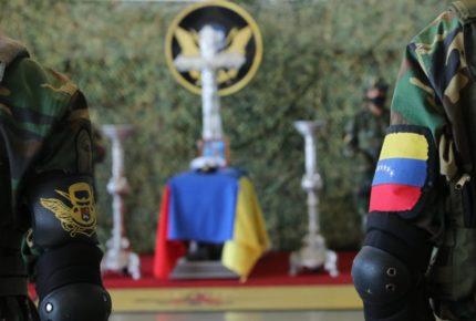 Suman 6 militares muertos en frontera entre Venezuela y Colombia