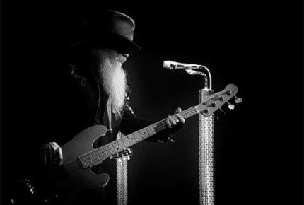 Murió Dusty Hill, bajista de ZZ Top a los 72 años