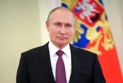 Putin firma ley que le permite optar a dos mandatos más