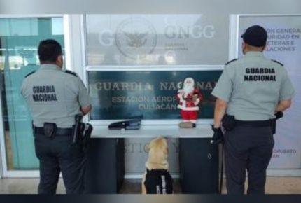 Hallan pastillas de fentanilo en figura de Santa Claus en Sinaloa
