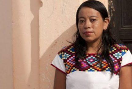 Juana Peñate recibe premio de Literatura Indígenas de América