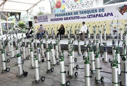 Presta alcaldía Iztapalapa tanques de oxígeno