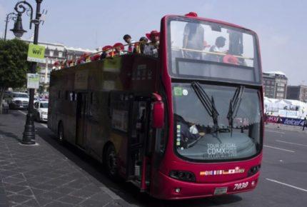 CDMX: Turibús apoya a usuarios de la Línea 3 del Metro con movilidad