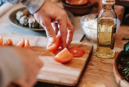 Destaca chef Vallejo Zerón importancia de alimentación post Covid