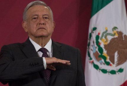 Pide 43% de los mexicanos a AMLO cambiar estrategia contra Covid-19