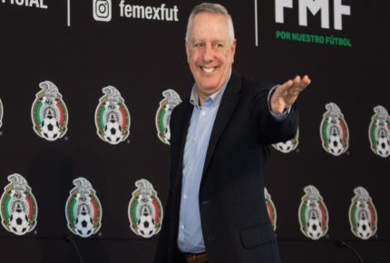 Exárbitros llaman a manifestarse contra la FMF