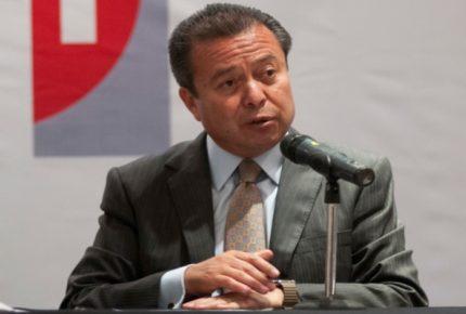 Priistas debemos defender la democracia: César Camacho