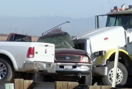 Accidente de tránsito en Texas deja al menos 10 migrantes muertos