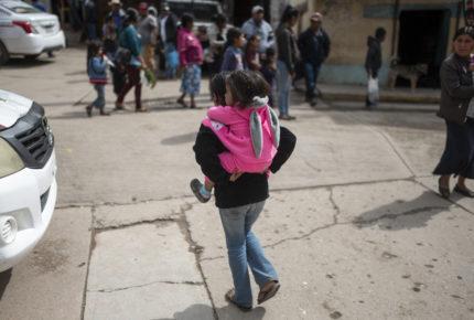 """""""No quiero que me vendas"""": el comercio de niñas en México"""