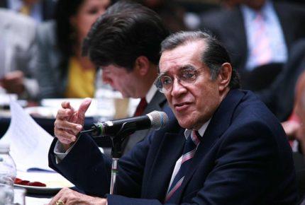 Fallece el ensayista y diplomático mexicano Víctor Flores Olea