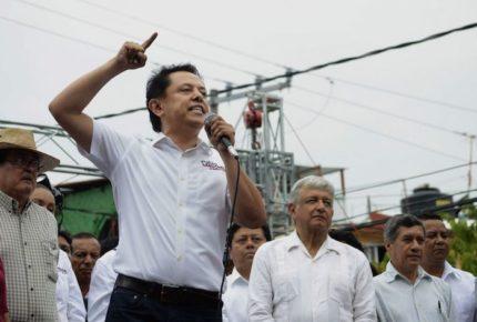 Sandoval renuncia a la carrera por la gubernatura de Guerrero