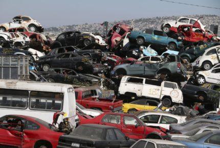 Semovi urge a dueños a sacar sus vehículos de los corralones