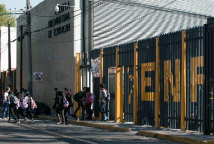 Encapuchados liberan instalaciones de Prepa 6 de la UNAM