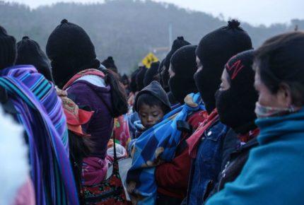 Decenas de zapatistas parten de Chiapas rumbo a Europa
