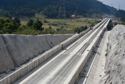 Cierran dos carriles de la México-Toluca