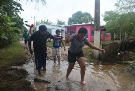 Inundaciones han afectado a 200 mil personas en Tabasco