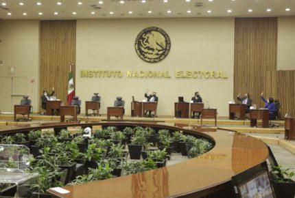 INE exhorta a AMLO a frenar ataques en mañaneras