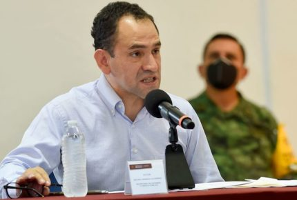 Ley de Banxico pone en peligro su autonomía: Arturo Herrera
