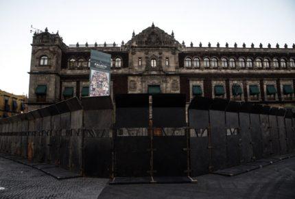 Por primera vez, 'blindan' Palacio Nacional previo a marcha del 8M