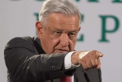 Critican a AMLO por intolerancia a medios que exhiben a su gobierno