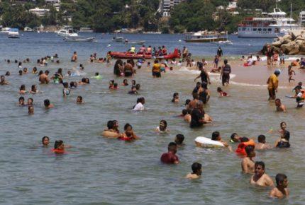 Astudillo alerta por velocidad de tercera ola en Guerrero