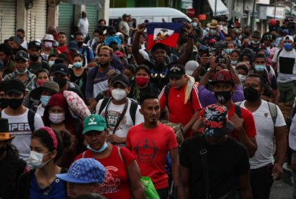 Nueva caravana de migrantes desafía la ola represiva en Chiapas