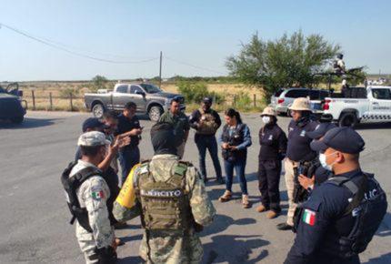 Familiares de desaparecidos en carretera de NL exigen reunión con AMLO